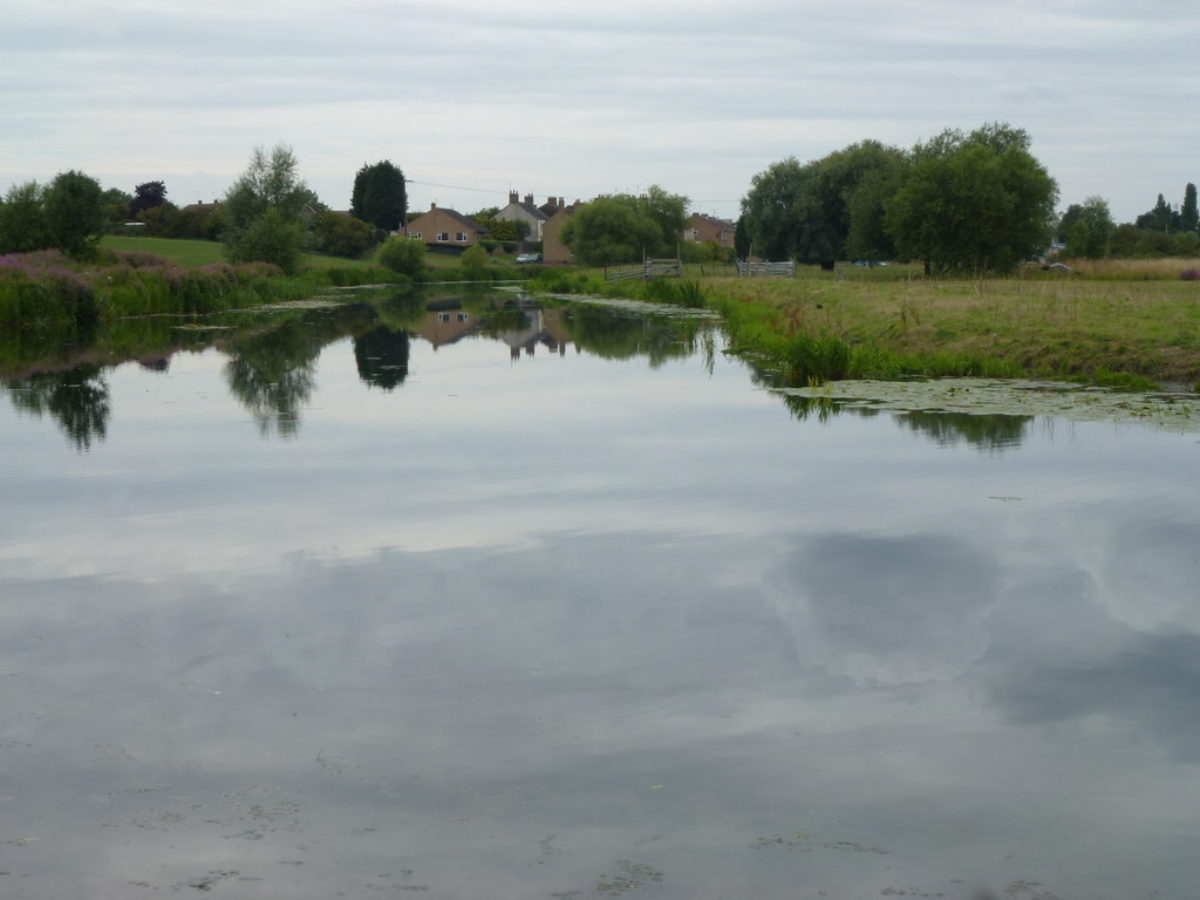Back River, Stanground, Peterborough large photo 2