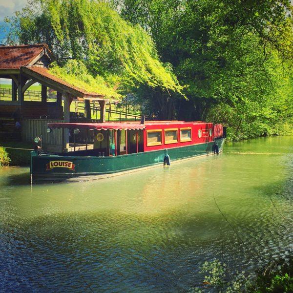 Basingstoke Canal - Sprat's Hatch Lane photo 2