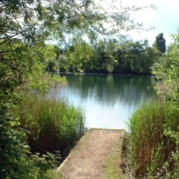 Bedfont Lakes County Park photo 1