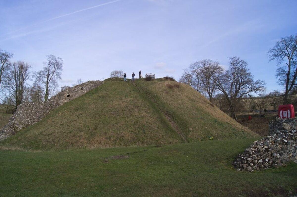 Berkhamsted Castle large photo 1