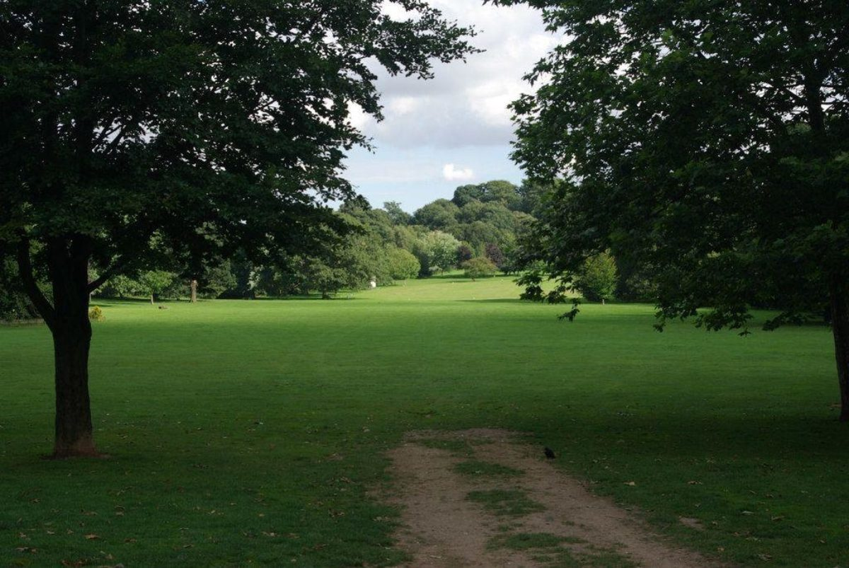 Bramcote Park large photo 2