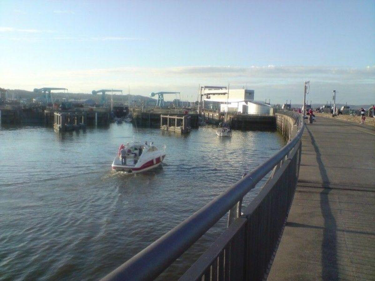 Cardiff Bay 10km Walk large photo 3