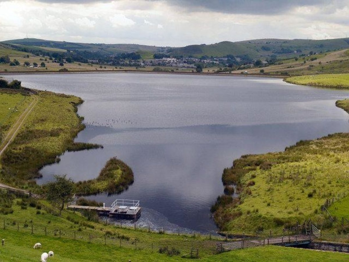 Castleshaw Reservoirs Walk, Delph, Heights Circular large photo 3