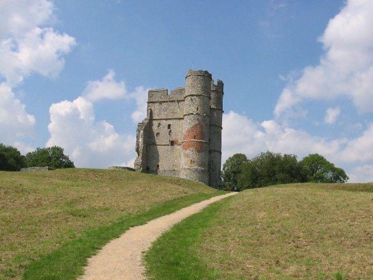 Donnington Castle large photo 1