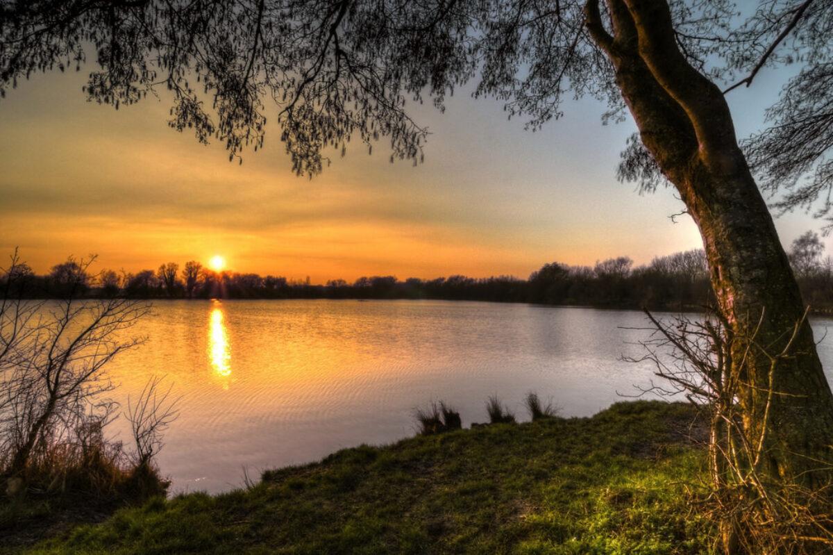 Ducklington Lake, Witney large photo 1