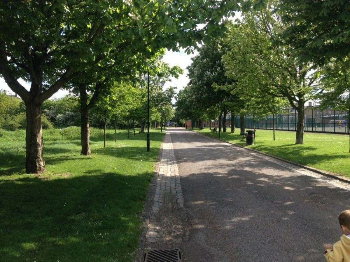 Haggerston Park, Hackney large photo 1