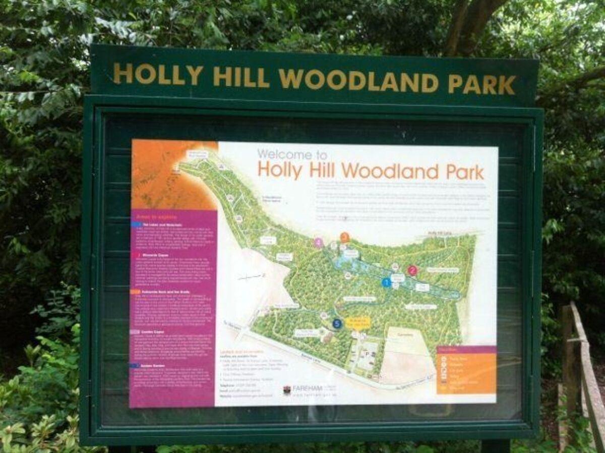 Holly Hill, Sarisbury Green large photo 1