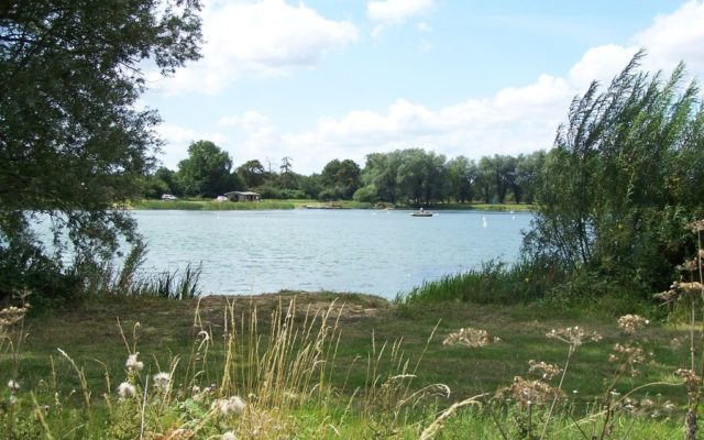 Kinewell Lake, Ringstead Dog walk in Northamptonshire