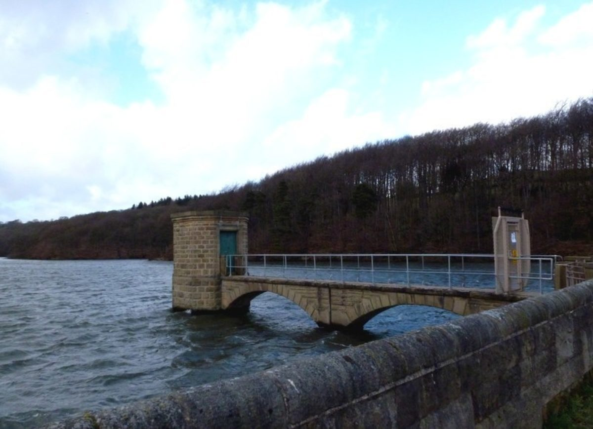 Linacre Reservoirs large photo 3
