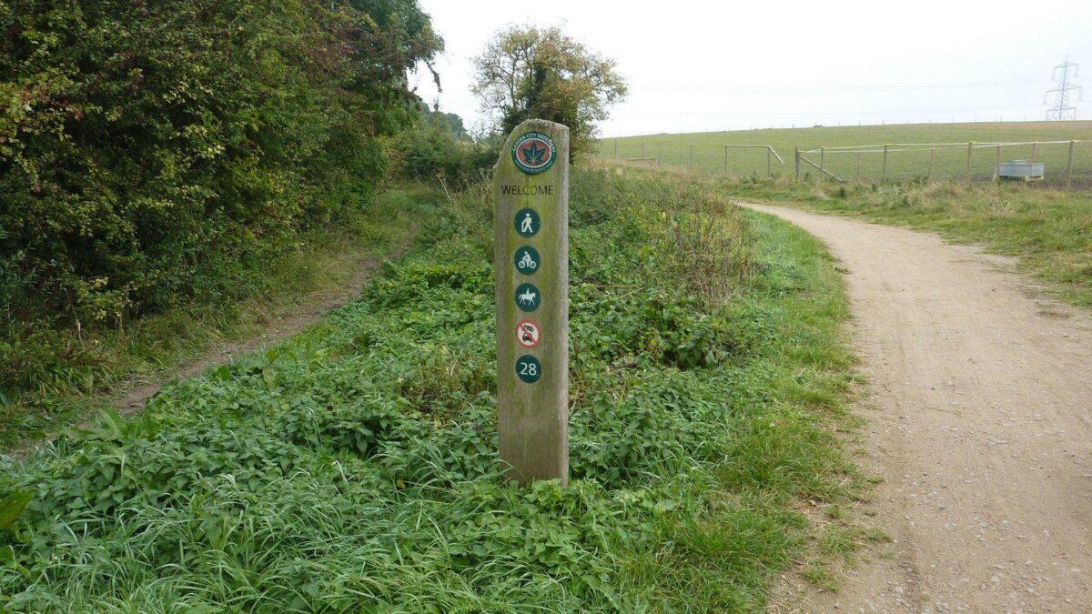 Radwell Meadows large photo 1
