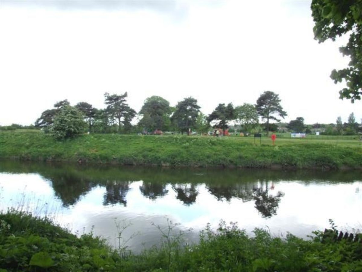 Riverside Park large photo 3