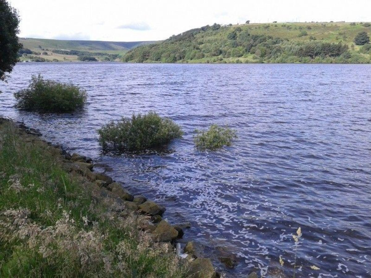 Scammonden Dam large photo 4