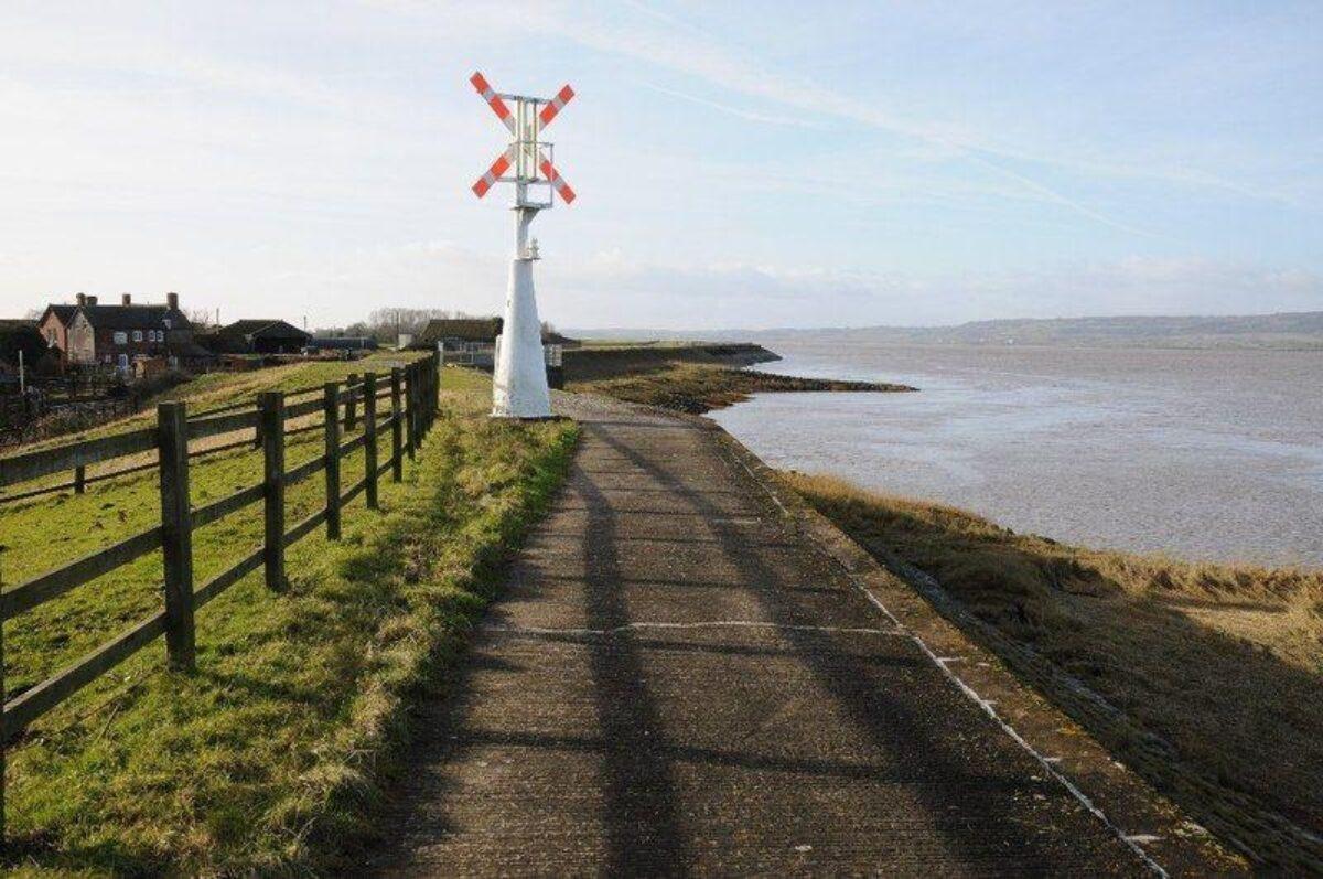 Severn Way large photo 1