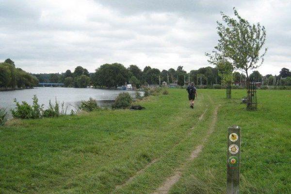 Thames Path - Cookhamphoto