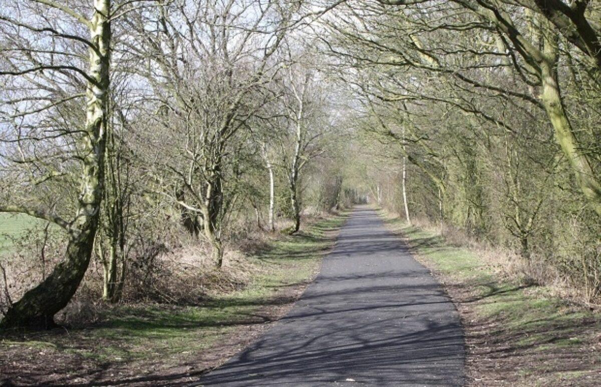 The Kenilworth Greenway large photo 5