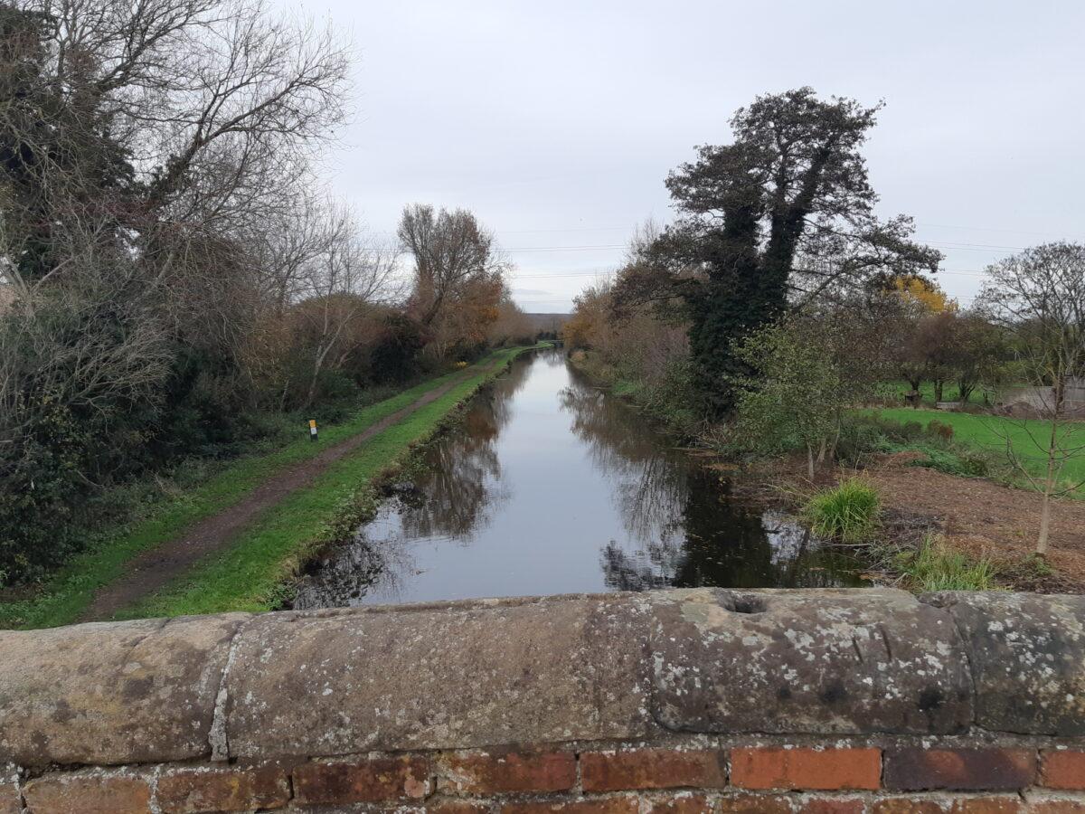 Trent & Mersey Canal Path (Burton) large photo 5