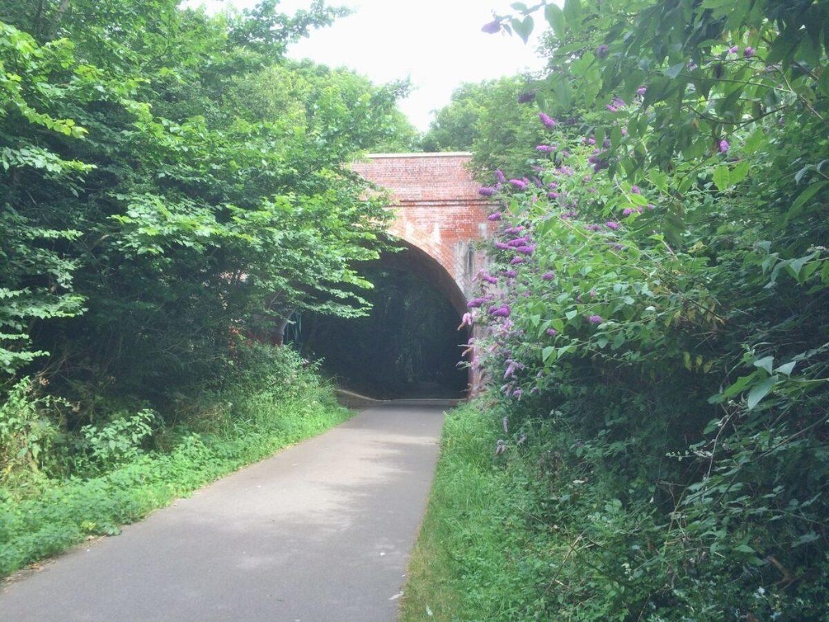 Weymouth To Portland Rodwell Trail large photo 1