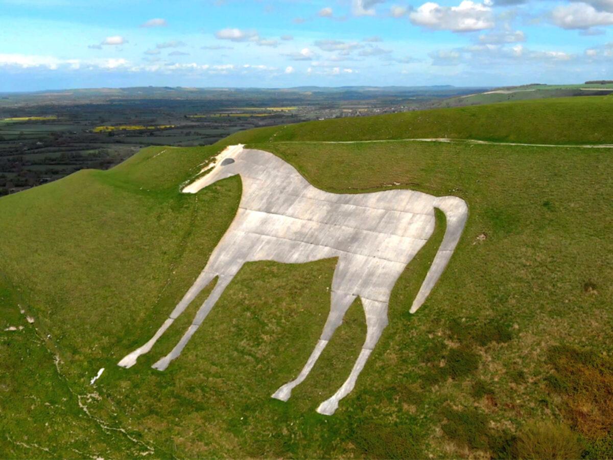 White Horse Park - Westbury large photo 1
